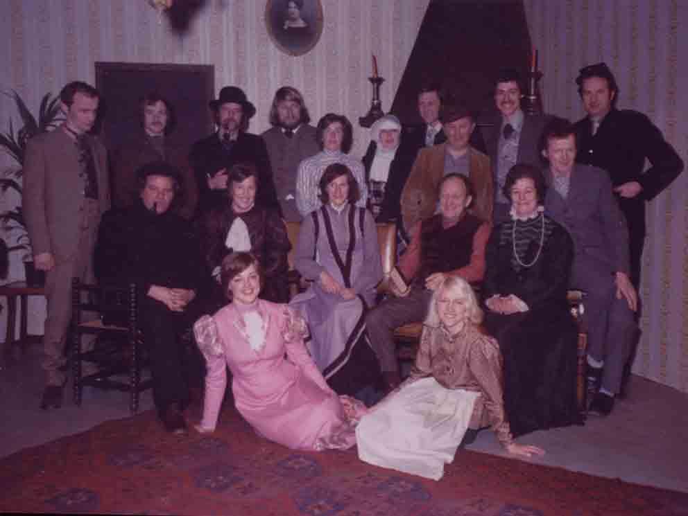 1976 – Schakels